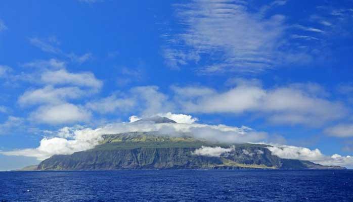 বিশ্বের সবচেয়ে প্রত্যন্ত দ্বীপ ত্রিস্তান ডি কুনহা
